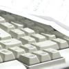 原稿用紙とキーボードと私